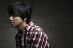 Yoon Si Yoon - actor, model