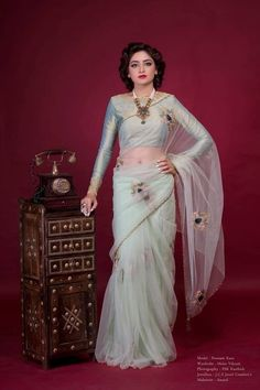 Bridal lehenga Store strongly believes that the ultimate empowerment is to wear something incredibly simple! Also, worldwide shipping is available. Saree Blouse Patterns, Saree Blouse Designs, Sari, Saree Dress, Pakistani Outfits, Indian Outfits, Modern Saree, Stylish Blouse Design, Organza Saree