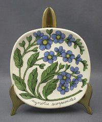 Ceramic Plates, Decorative Plates, Shopping Places, Borders And Frames, Old Antiques, Interior Design Inspiration, Scandinavian Design, Finland, Retro Vintage