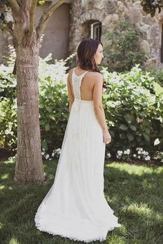 A backyard wedding for me means something relaxed and maybe laid-back, so backyard wedding gowns should be chic and relaxed. Many backyard brides choose boho chic style. Boho Chic Wedding Dress, Wedding Gowns, Boho Dress, Wedding Bells, Chic Dress, Lace Dress, Summer Wedding, Dream Wedding, Gold Wedding