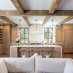Wood beams in kitchen faux wood beams kitchen ceiling design ideas wood beams white kitchen Kitchen Ceiling Design, Kitchen Design, Modern Farmhouse, Farmhouse Style, Modern Rustic, Country Style, French Country, Home Interior, Interior Design