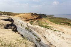 Nirgendwo auf der Insel raubt die Flut mehr Land als in Hörnum – rund 700 Meter seit den Siebziger Jahren. Strand, Country Roads, Places, Travel, Hiking Trails, Lighthouse, Beautiful Places, Vacations, Viajes