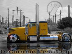 beauitiful customized big rigs Angry lookin peterbilt big rig semi Been in one of these in worse snow! pinterest.com