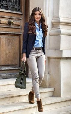7 spring work outfits to copy right now! Here you will discover tasteful and refined spring work outfits 7 spring work outfits to copy right now! Here you will discover tasteful and refined spring work outfits Business Mode, Business Fashion, Business Casual Outfits For Women, Business Style, Office Attire Women Casual, Business Casual Shoes Women, Business Casual Khakis, Office Style Women, Smart Casual Women Office