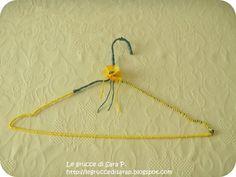 Gruccia con cordoncino giallo e verde con fiore