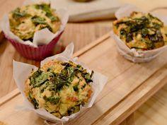 Muffins de espinaca y cheddar | Mauricio Asta Spinach Recipes, Cheddar, Baked Potato, Potatoes, Baking, Ethnic Recipes, Food, Meals, Mauritius