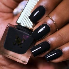 Make an original manicure for Valentine's Day - My Nails Black Nail Polish, Holographic Nail Polish, Best Nail Polish, Black Nails, White Nails, Love Nails, Fun Nails, Pretty Nails, Nail Paint Shades