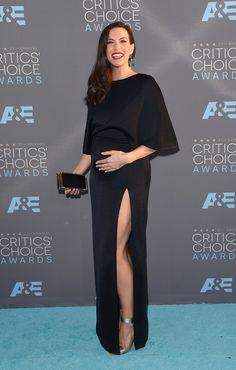 Pin for Later: Liv Tyler zeigt ihren wachsenden Babybauch zum ersten Mal auf dem roten Teppich Liv Tyler bei den Critics' Choice Awards