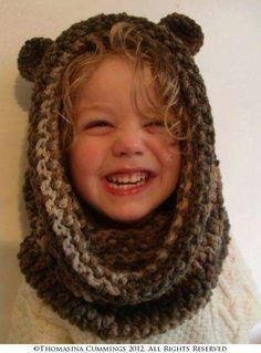 Capucha con orejas para niño