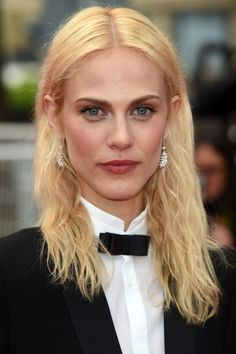 Cannes Film Festival 2014 Long and Loose Hairstyles: Amelie Valade Haircuts For Medium Length Hair, Medium Bob Hairstyles, Loose Hairstyles, Celebrity Hairstyles, Hairstyles Haircuts, Medium Fine Hair, Medium Hair Styles, Long Hair Styles, Cannes Film Festival 2014