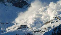 Valanga in Alta Valle Camonica (BS) Wonderful Places, Romania, Trekking, Mount Everest, Exotic, Mountains, World, Nature, Travel