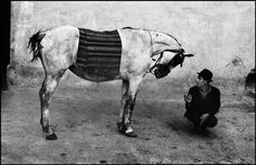Josef Koudelka Romania printed from the series Gypsies The Art Institute of Chicago, promised gift of Robin and Sandy Stuart © Josef Koudelka/Magnum Photos. Courtesy of Pace/MacGill Gallery, New York Magnum Photos, Frieze Masters, Robert Mapplethorpe, Robert Doisneau, Getty Museum, Photographer Portfolio, Art Institute Of Chicago, Great Photographers, Vintage Photographs