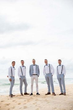 Fotos e inspirações de Casamentos realizados na praiacom utilização de luzes SPARKLES, é apaixonante.  Gostaria de Ver mais, acesse : www.denisfotografia.com  Siga-nos Follow Us Instagram: @denisfotografia  #BeachWedding #denissilveirafotografia #fotografiadecasamento #casamentos #weddingphotographer #fotografocasamento #fotoscasamento  #beach #weddings #photos #inspiration