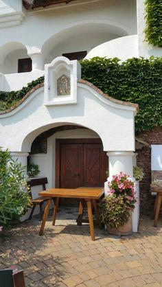 Szent Donat - Csopak - Hungary Country Style Homes, Entry Doors, Homeland, Budapest, Countryside, Palace, Gazebo, Europe, Cottage