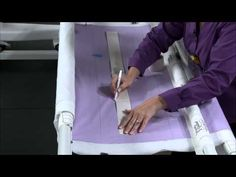 Suzanne Michelle Hylands - Simple Longarm Techniques: Quilting Borders with Freehand Designs (DVD) - YouTube