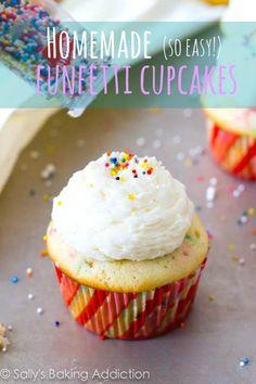 Cupcake Recipes : Easy Homemade Funfetti Cupcakes