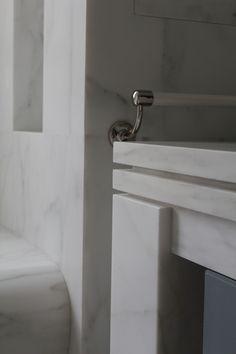 Caldia marble countertop edge detail Countertop Backsplash, Stone Backsplash, Marble Countertops, Granite, Counter Edges, Counter Tops, Marble Bathrooms, Italian Marble, Beautiful Bathrooms