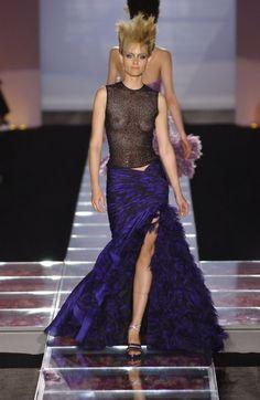 Amber Valletta at Atelier Versace F/W 2001