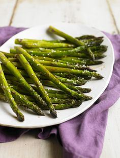 The Biggest Loser - Club Corner - Sesame Roasted Asparagus #BiggestLoser