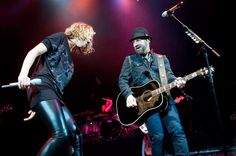 Sugarland And Little Big Town Cover Madonna's 'Like A Prayer' (Live) – Bloomington, IL