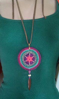Mulher Rendeira Crochet Mandala, Crochet Motif, Crochet Stitches, Knit Crochet, Crochet Patterns, Crochet Bracelet, Crochet Earrings, Jewelry Making Tutorials, Crochet Slippers