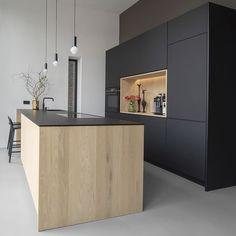 How To Incorporate Contemporary Style Kitchen Designs In Your Home Open Plan Kitchen, Kitchen On A Budget, Kitchen Pantry, New Kitchen, Kitchen Decor, Bathroom Design Luxury, Home Interior Design, Cocina Office, Grey Kitchen Designs