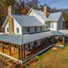 Ideas For Farmhouse Plans With Wrap Around Porch Ranch Metal Roof - Modern Porch House Plans, Dream House Plans, My Dream Home, Dream Homes, House Wrap Around Porch, House With Porch, House With Metal Roof, Ranch Houses With Wrap Around Porches, Metal Roof Houses