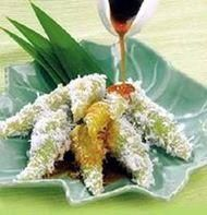 Lupis (Indonesian Sweet Sticky Rice Dumplings) Kue Lupis (Indonesian Sweet Sticky Rice Dumplings)Dumpling (disambiguation) A dumpling is a cooked ball of dough. Dumpling, dumplin', or dumplings may also refer to: Asian Snacks, Asian Desserts, Asian Recipes, Sweet Recipes, Snack Recipes, Ethnic Recipes, Asian Foods, Yummy Recipes, Cooking Recipes