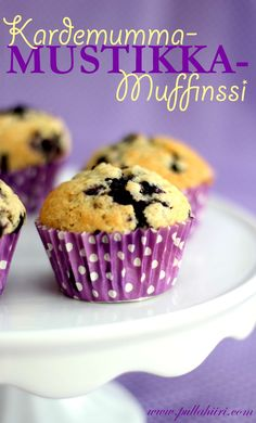 Kardemumma-mustikkamuffinssit Something Sweet, Dessert Recipes, Desserts, Sweet Recipes, Goodies, Food And Drink, Cupcakes, Sweets, Candy