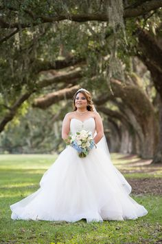 Organza ballgown, Charleston bride, sweetheart neckline // Chris & Cami Photography