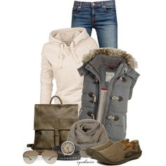 Women's outfits. Women's fashion. Women's clothes. Fall. Winter. Vest. Scarf. Messenger bag.
