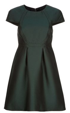 tibi! Great shape! Classic LBD