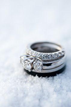 Hockey Wedding Ideas: Snowy Ring Picture