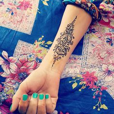 « Simple tattoo design Especially for, those who dislike henna on their arms ✋ . . »
