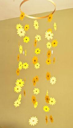 Nursery Decor Sunflower Mobile - Paper Mobile for Nursery, Baby or Kids Decor Kinderzimmer Dekor Son Nursery Themes, Nursery Decor, Decor Crafts, Easy Crafts, Room Crafts, Decoration Creche, Room Decorations, Christmas Decorations, Diy For Kids