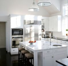 Beautiful beach house kitchen