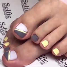 In search for some nail designs and some ideas for your nails? Here's our listing of must-try coffin acrylic nails for fashionable women. Toe Nail Color, Toe Nail Art, Nail Colors, Pretty Toe Nails, Cute Toe Nails, Easy Toe Nails, Pretty Toes, Diy Nails, Square Nail Designs