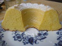 Tvarohová bábovka | Mimibazar.cz Pudding, Bread, Food, Custard Pudding, Brot, Essen, Puddings, Baking, Meals