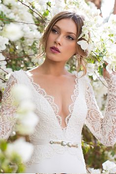 Brides-to-be, mark your calendars for January 30-February 2, 2015, becausethere's a trunk show coming you're not going to want to miss! Tel Aviv based wedding dress designer Julie Vino is showcasing her incredibly stunning 2015 Collection exclusively at The White Dress and let me tell you, these gowns are something truly special. Just take a…