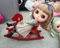 MOMOLITA So cute… I would love to make the little rocking chair.
