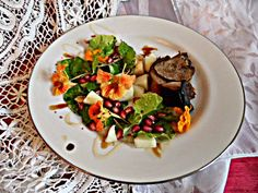 Chez Maximka: Roast Lamb with Quinces and Marmalade Glaze, served with nasturtium salad Roast Lamb, Edible Flowers, Marmalade, Kung Pao Chicken, Glaze, Food And Drink, Salad, Cooking, Ethnic Recipes