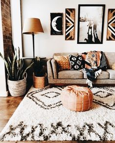Living Room Decor Boho, Living Room Decor Orange, Living Room Lamps, Interior Design Living Room Warm, Bohemian Chic Decor, Orange Home Decor, Living Room Ideas Earth Tones, Moroccan Living Rooms, Bohemian House