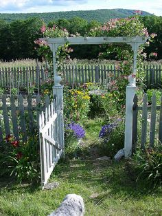 country house arbor and vegetable garden Veggy garden arbor Amazing Gardens, Beautiful Gardens, Garden Gates And Fencing, Arbor Gate, Garden Arbor With Gate, Garden Archway, Garden Entrance, Pergola Garden, Outdoor Pergola
