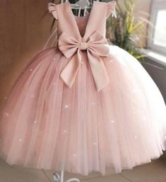 Tulle Flower Girl, Tulle Flowers, Pink Flower Girl Dresses, Vintage Flower Girls, Girls Tulle Skirt, Tulle Dress, Dress Skirt, Lace Dress, Fashion Kids