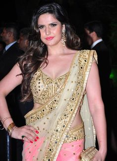 Zarine Khan is an Indian actress and model who appears in Hindi, Punjabi, and Tamil films. Today, we collected Zarine Khan's hot and beautiful HD photos. Most Beautiful Bollywood Actress, Bollywood Actress Hot Photos, Bollywood Celebrities, Actress Photos, Beautiful Actresses, Bollywood Saree, Indian Bollywood, Bollywood Fashion, Bollywood News