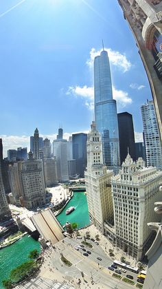 Chicago Skyline | Chicago River | Wrigley Building | Trump Tower | Chicago Architecture | Chitecture
