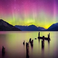 149 отметок «Нравится», 2 комментариев — Just Your Average Kerbal (@maxwell_kerman) в Instagram: «A lake somewhere on our pale blue dot Repost from @journeybeyondearth #aurora #astronomy…»