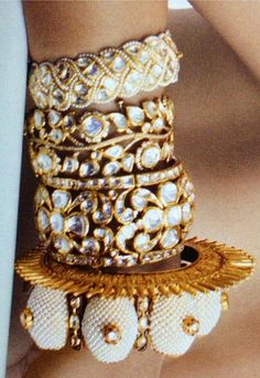 Traditional Rajputi bangles and modern kadas Pakistani Jewelry, Indian Wedding Jewelry, Bridal Jewelry, Indian Bridal, Gold Jewelry, Delicate Jewelry, Jewlery, Kundan Bangles, Gold Bangles