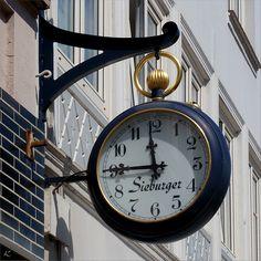 Glückstadt Huge Clock, Big Clocks, Unusual Clocks, Father Time, Fire Heart, Outdoor Signs, Door Knockers, Mechanical Watch, Alarm Clock
