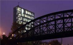 Puente colgante y sede de la FRMP, en Valladolid